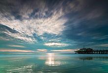 220px-Santa_Monica_pier,_dusk